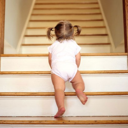(VIDEO) Sit, Turn and Scoot: Teach Your Toddler How to Go Down Stairs